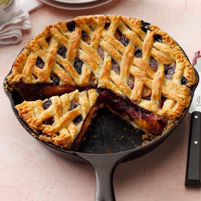 Cast Iron Cherry Berry Peach Pie Exps Cimz19 236584 B01 09 10b 2
