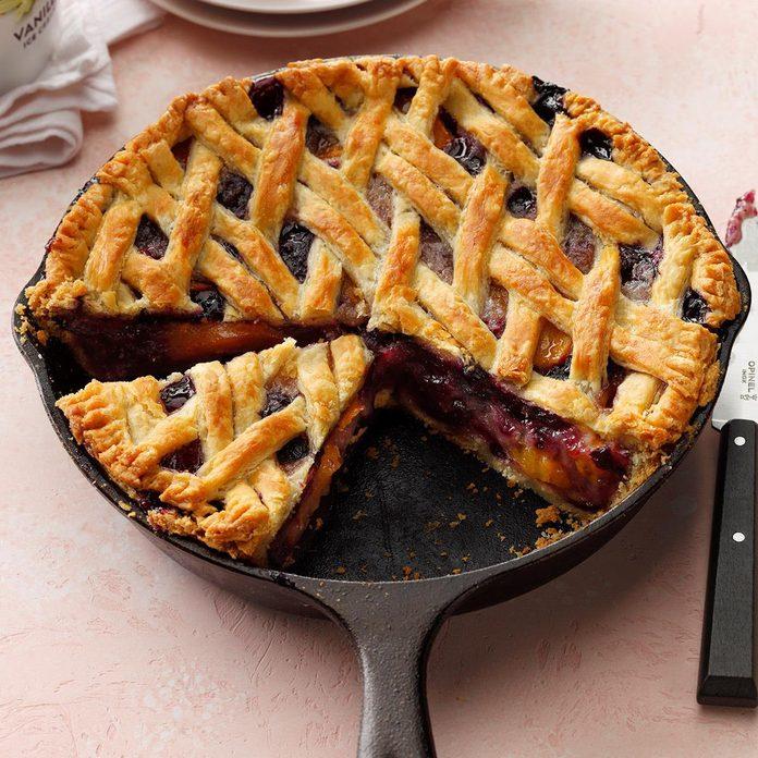 Cast Iron Cherry Berry Peach Pie Exps Cimz19 236584 B01 09 10b 2