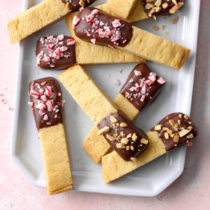 Peppermint Chocolate Almond Crisps
