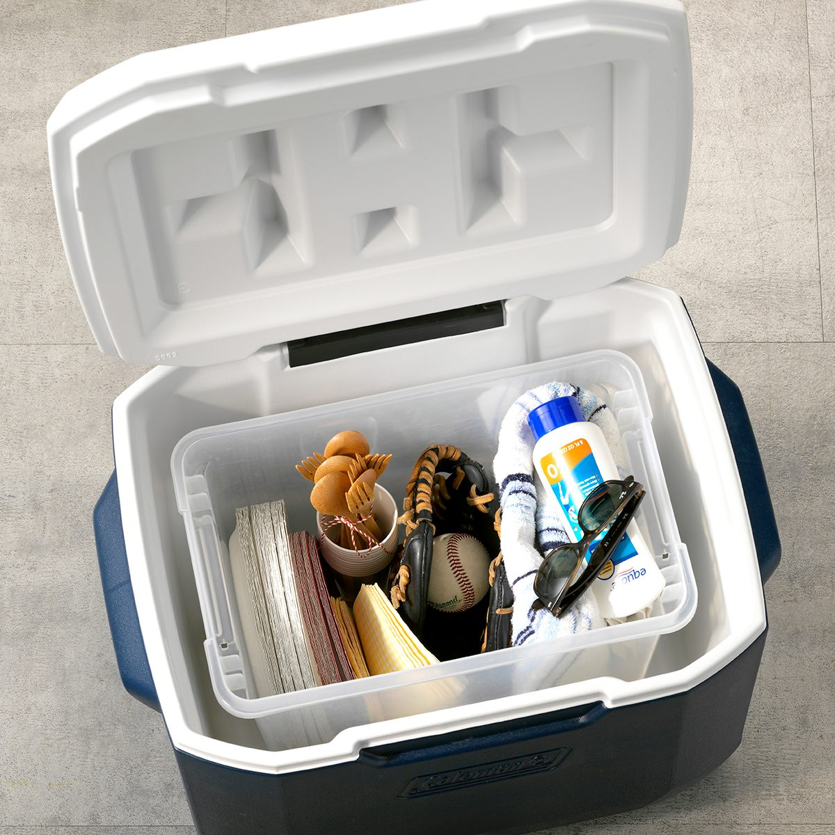 THGKH19, Kitchen Hack Storing tailgate essentials