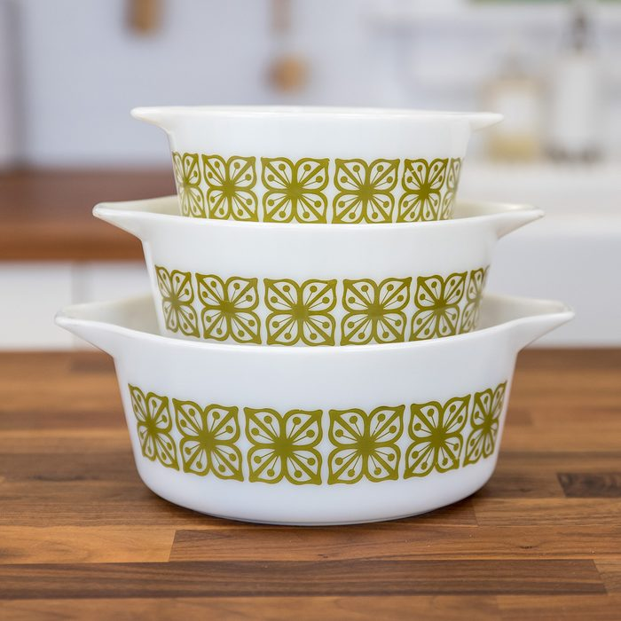 Vintage Pyrex dishes in verde