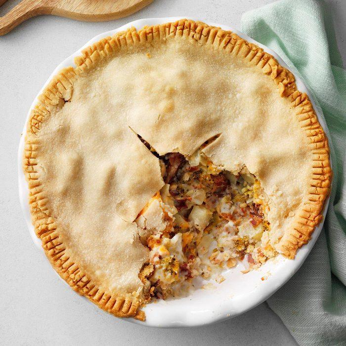 Bacon Pot Pie  Exps Tohas19 236631 E04 17 5b 5