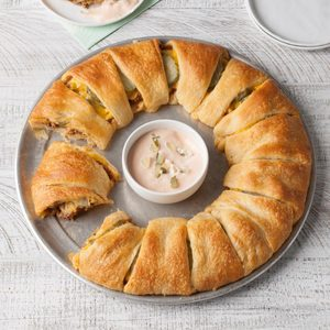 Cheeseburger Crescent Ring
