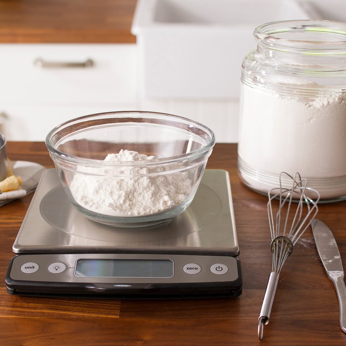 flour on a kitchen scale