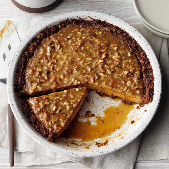 Pumpkin Pecan Praline Pie Exps Tohon19 237024 E06 12 4b 10