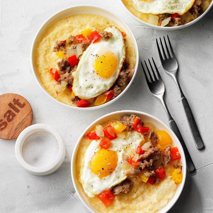 Sausage And Eggs Over Cheddar Parmesan Grits  Exps Tohas19 237932 E04 17 7b 11