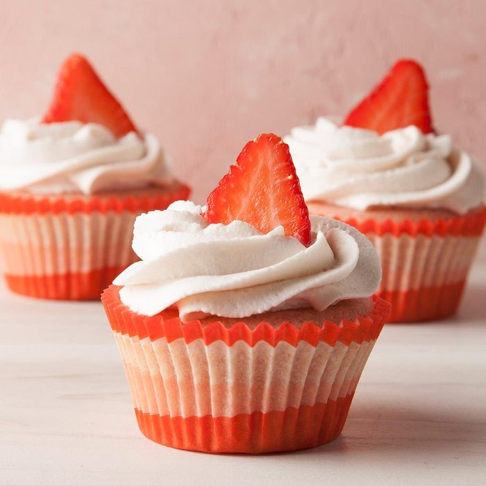 Strawberry Cupcakes With Whipped Cream Frosting Exps Ft19 242523 F 0619 1 8