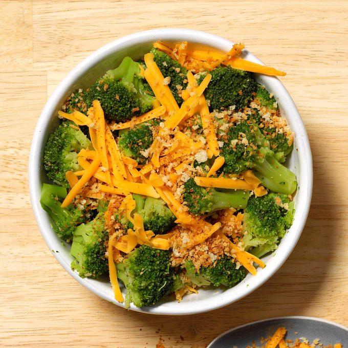 Cheesy Crumb Topped Broccoli Exps Tohon19 241493 B06 11 13b 9