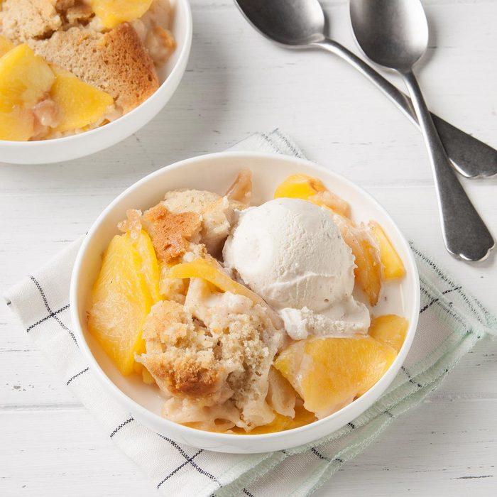 Slow Cooker Peach Cobbler Exps Ft19 244260 F 0724 1 9