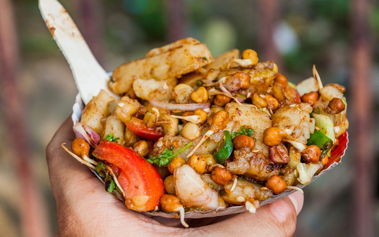 Aloo Chana Chaat - street food in Kolkata, India