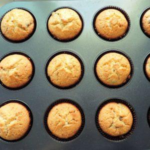 home baking cupcakes