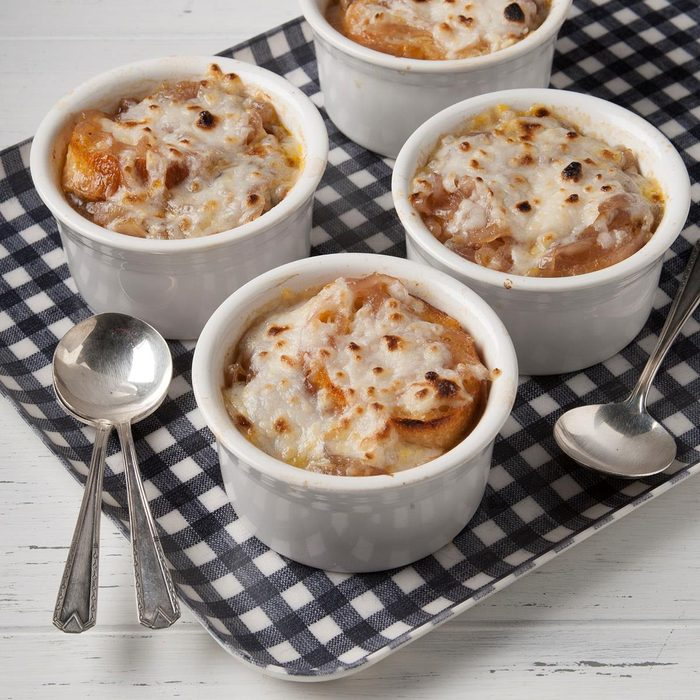 Vegan French Onion Soup Exps Ft19 244762 F 0823 1 6