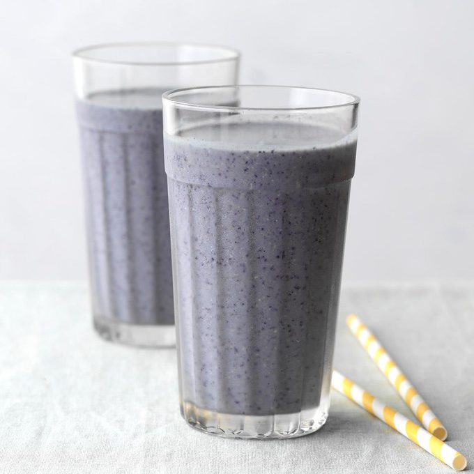 Blueberry Pancake Smoothie Exps Tohdj20 242974 B08 06 4b 8
