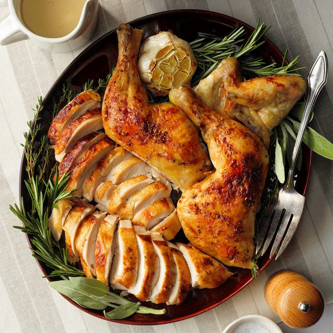 Buttery Herb Roasted Chicken Exps Tohfm20 83383 E09 25 4b