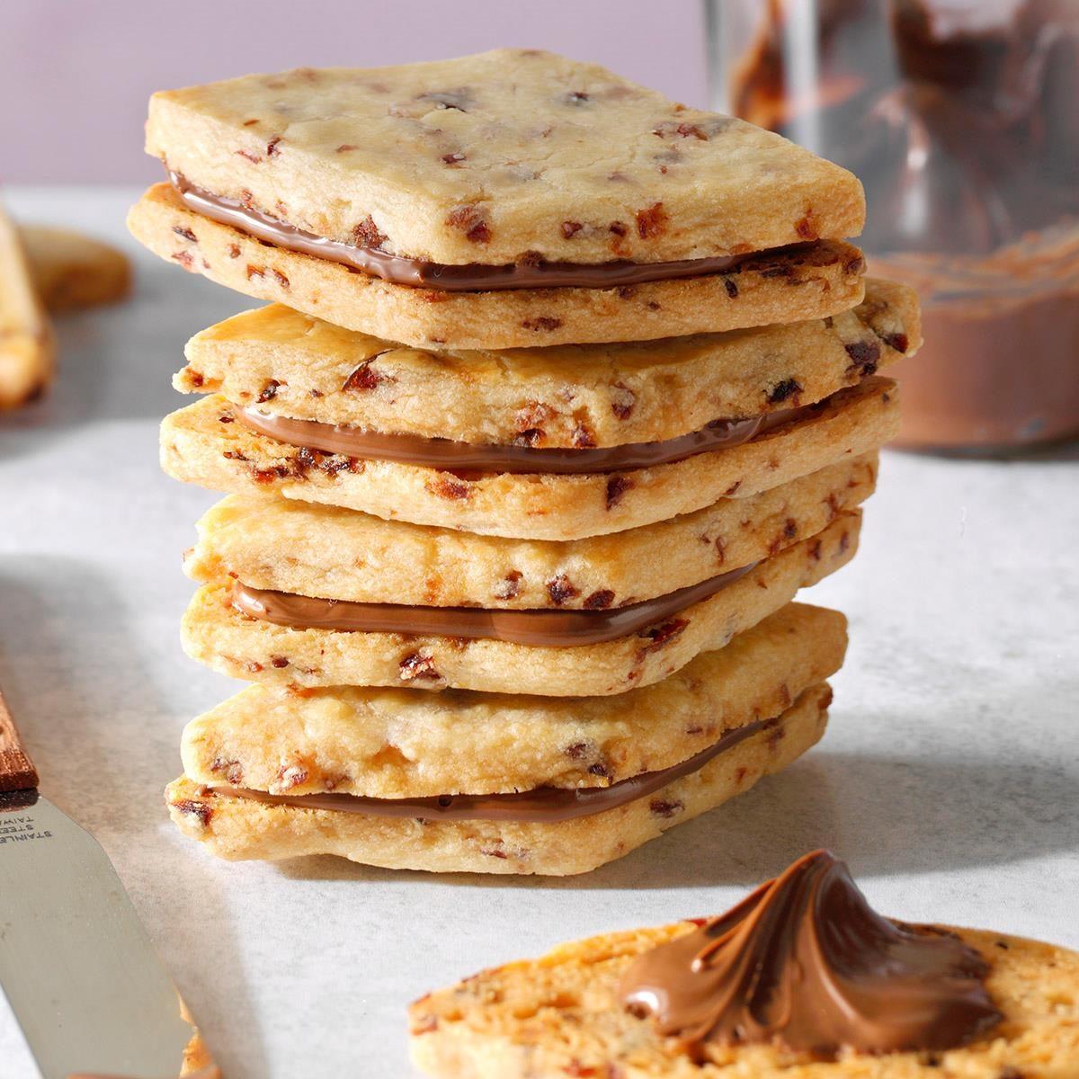 Confident Baker: Cranberry Nutella Sandwich Cookies