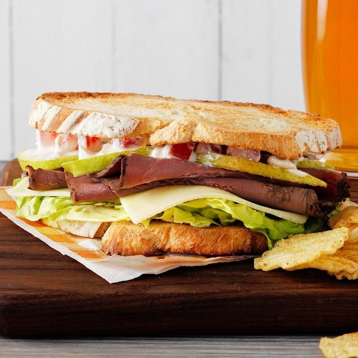 Pear And Roast Beef Sandwiches  Exps Hca19 233455 C04 02 7b 4