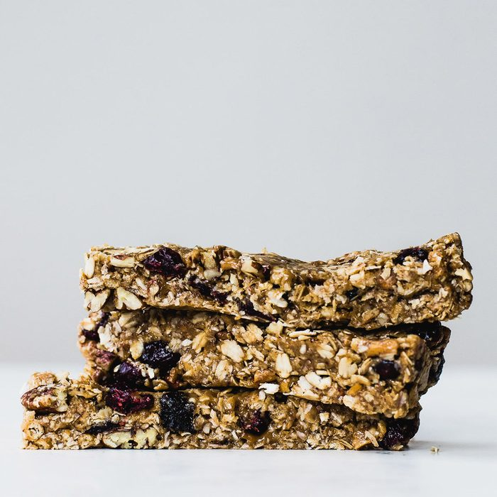 Really Chewy No-Bake Peanut Butter Granola Bars