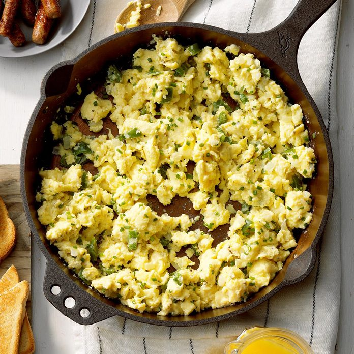 Cast Iron Skillet Scrambled Eggs Exps Cimz19 90753 E09 04 9b 3
