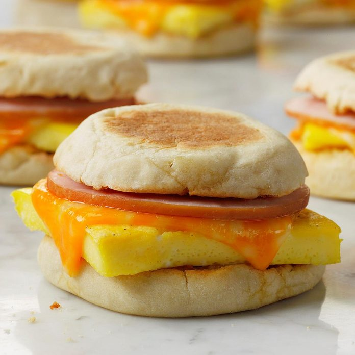 Freezer Breakfast Sandwiches Exps Toh.comweb19 245306 B09 13 12b 1