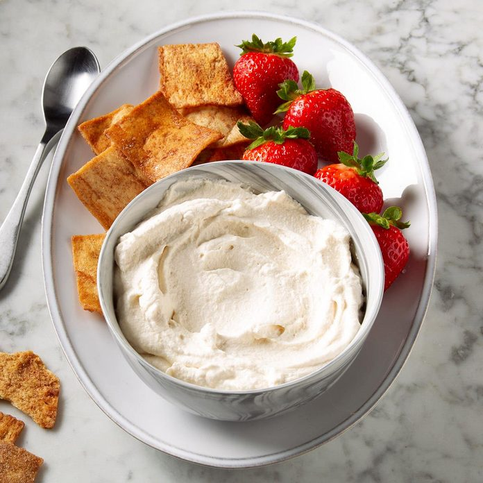 Peanut Butter Whipped Cream Frosting Exps Ft19 246825 F 1113 1 2