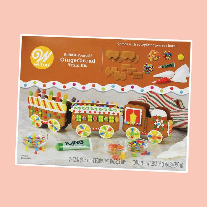 Wilton Build it Yourself Christmas Express Gingerbread Train Decorating Kit