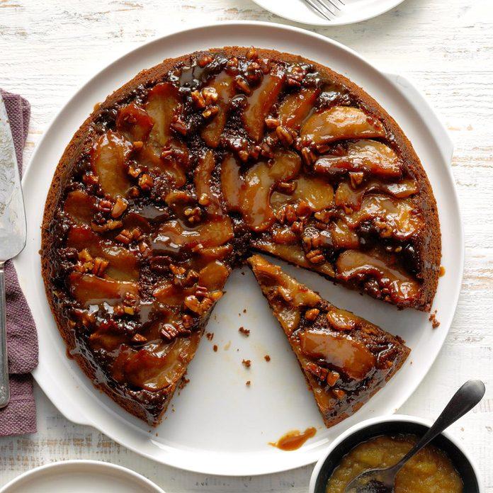 Apple Gingerbread Skillet Cake Exps Cimzw20 242321 B09 01 8b 1