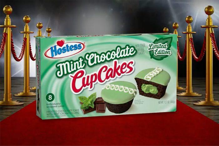 mint chocolate chip hostess cupcakes