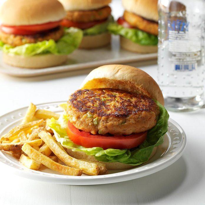 Tuna Burgers Exps Sdfm17 925 C10 06 2b Basedon 1