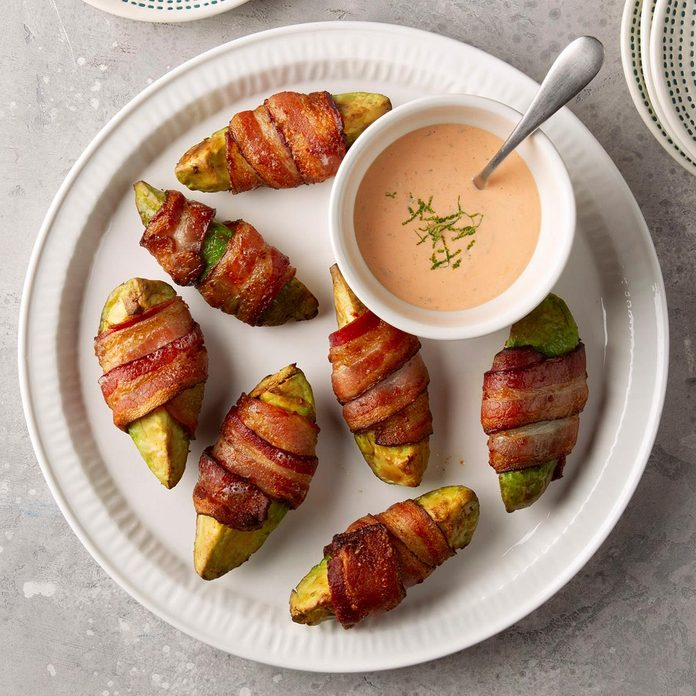 Bacon Wrapped Avocado Wedges Exps Ft20 251666 F 0311 1 2
