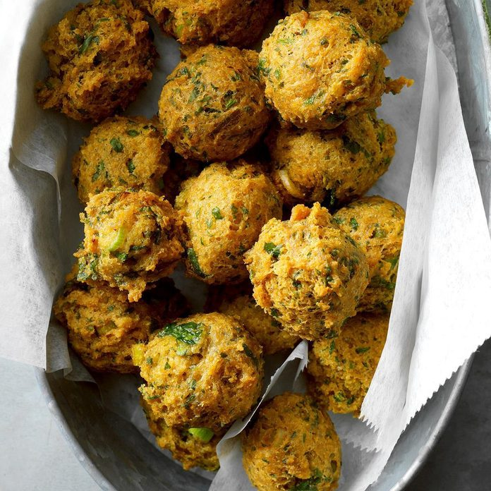 Chickpea Fritters With Sweet Spicy Sauce Exps Cimz19 57994 B08 31 4b Basedon 4