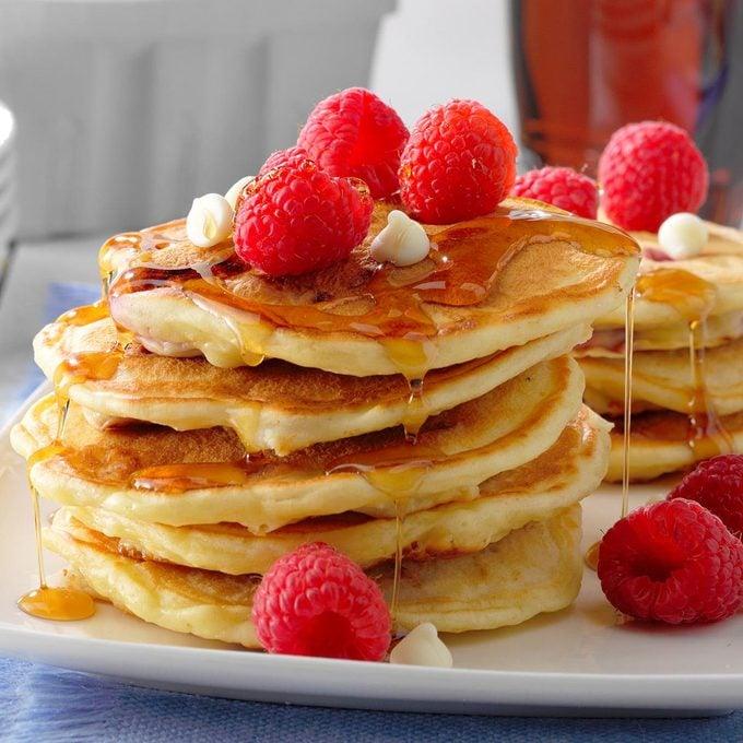 Raspberry White Chocolate Pancakes Exps Tohca20 202734 B01 14 1b 3