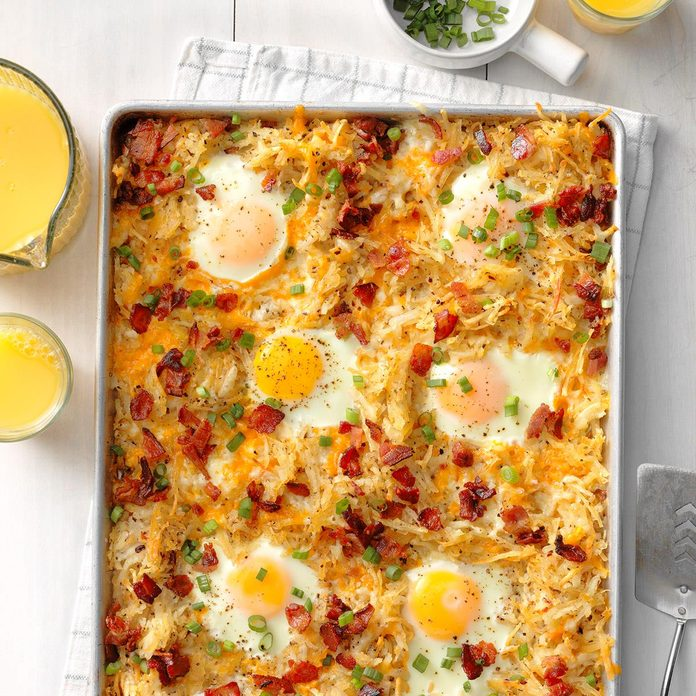 Sheet Pan Bacon And Eggs Breakfast Exps Tohescodr20 236180 B02 19 1b 4