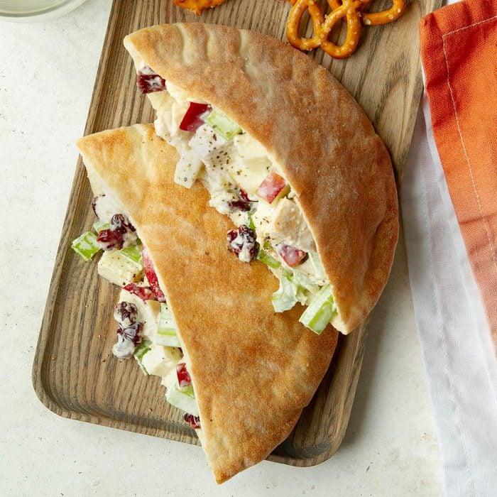 Fruity Chicken Salad Pitas Exps Tohas20 245804 F04 08 1b 1