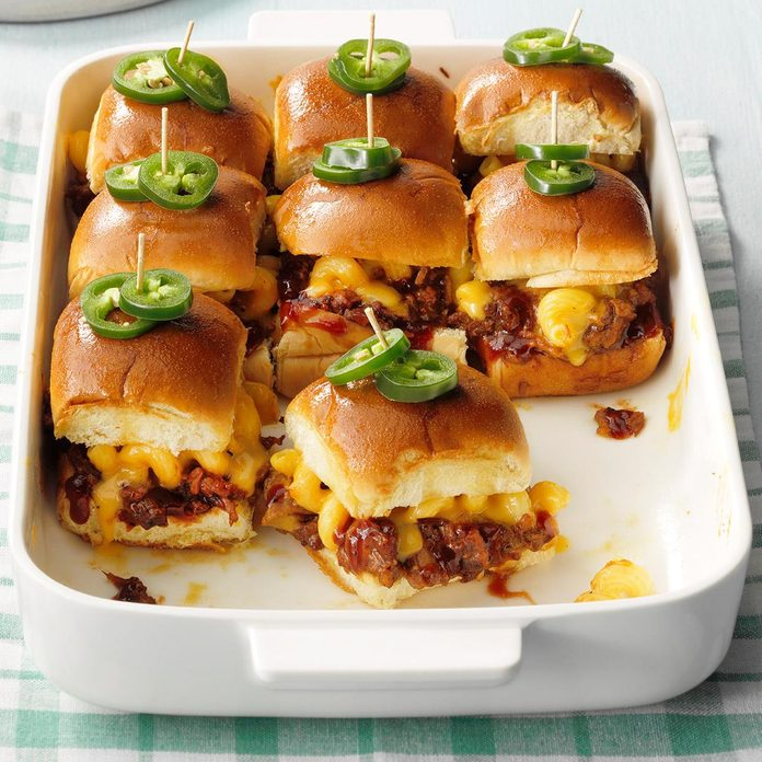 Pork And Cheesy Macaroni Sliders Exps Mtbz20 249402 E02 28 8b 2