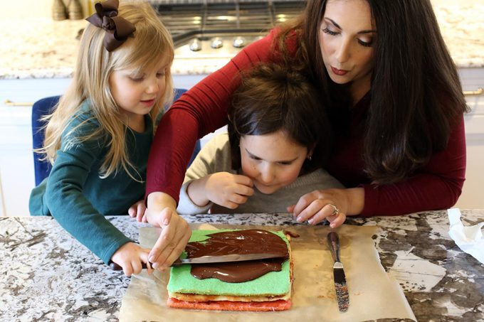 glazing the cookies with chocolate