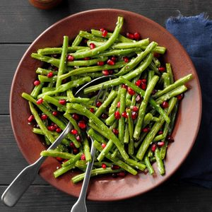 Green Beans with Pomegranate Seeds