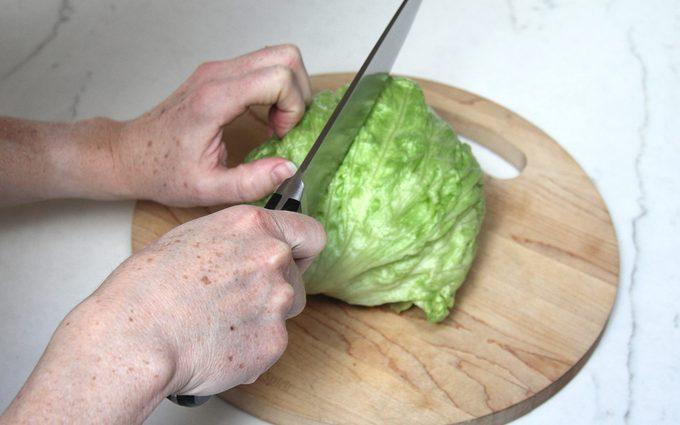Halving lettuce head