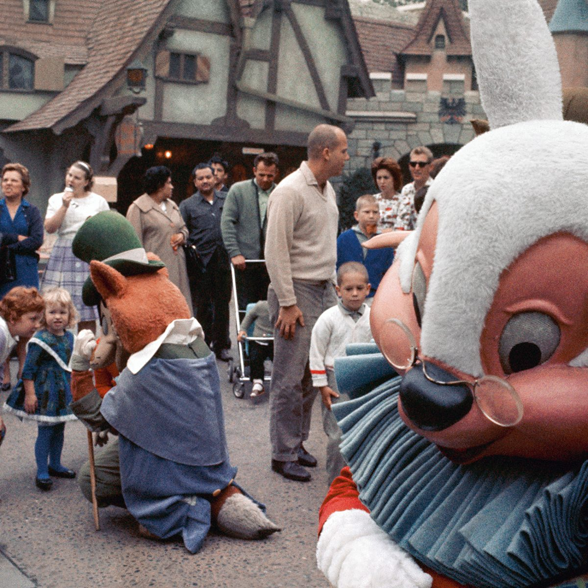 ANAHEIM, CA - 1963: Disney characters entertain children in the Fantasyland area of Disneyland in1963 in Anaheim, California. (Photo by David Attie/Getty Images)