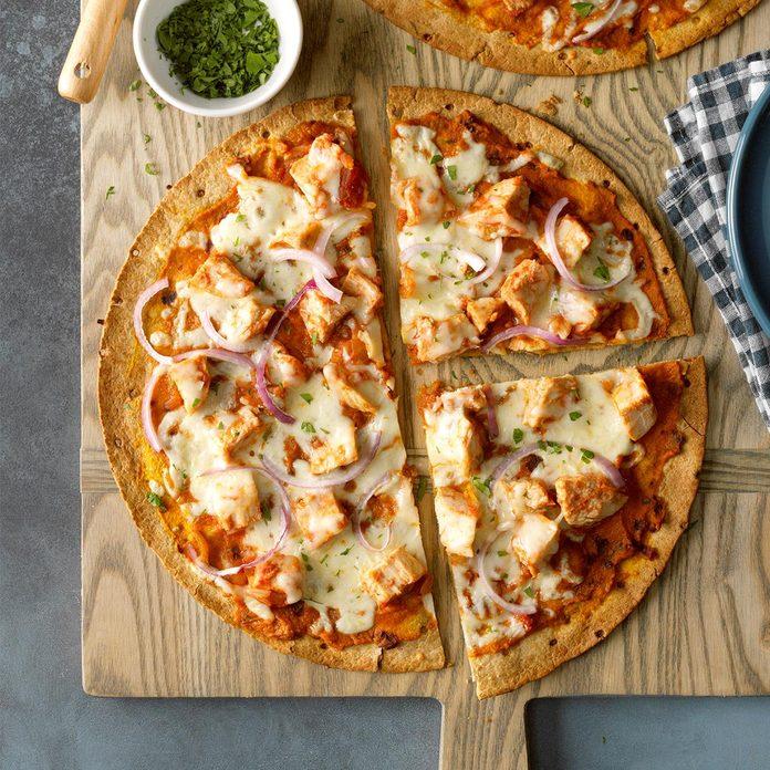 Healthy Chipotle Chicken Pumpkin Pizza  Exps Tohon20 246665 B06 04 5b 5