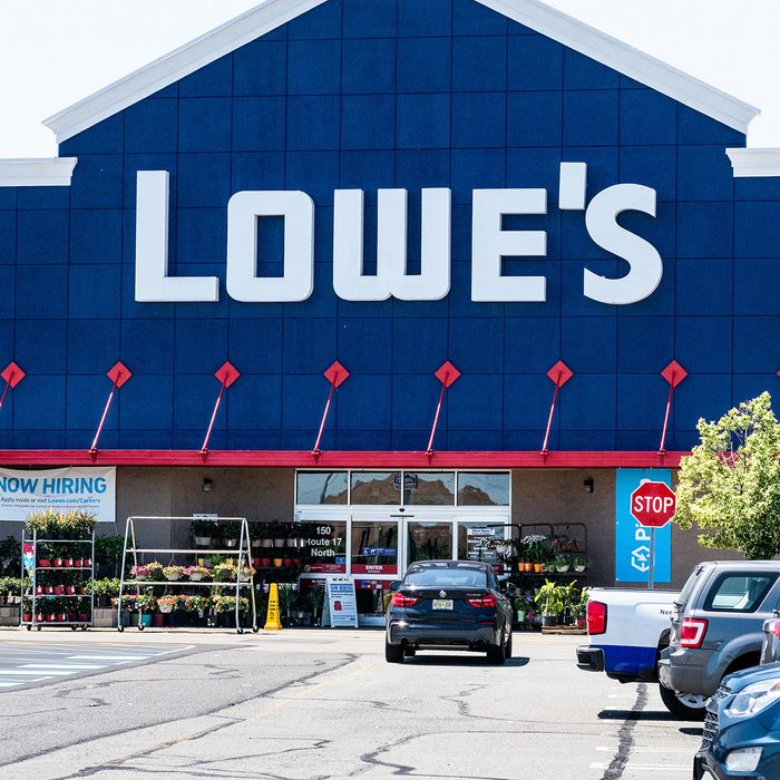 PARAMUS, NJ, UNITED STATES - 2018/06/17: Lowe's store in East Rutherford, New Jersey. (Photo by Michael Brochstein/SOPA Images/LightRocket via Getty Images)