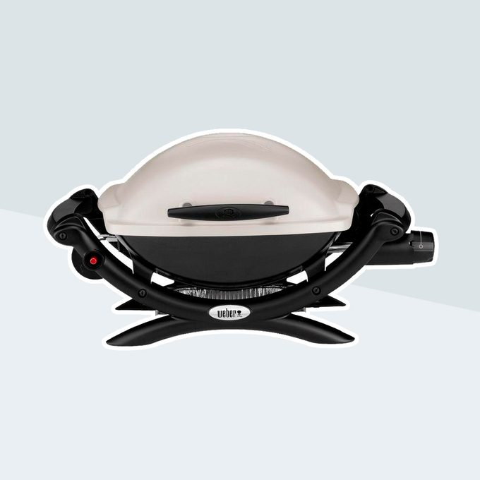Q 1000 1-Burner Portable Propane Gas Grill in Titanium