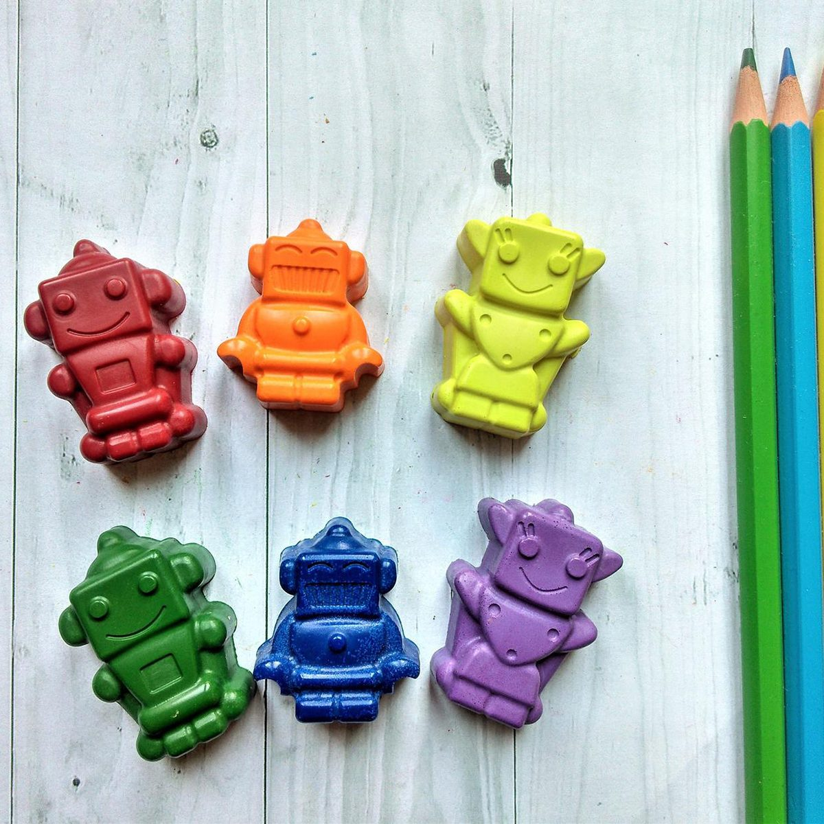 Robot Shaped Crayons, Robot Party Favours, Non-Toxic Crayons