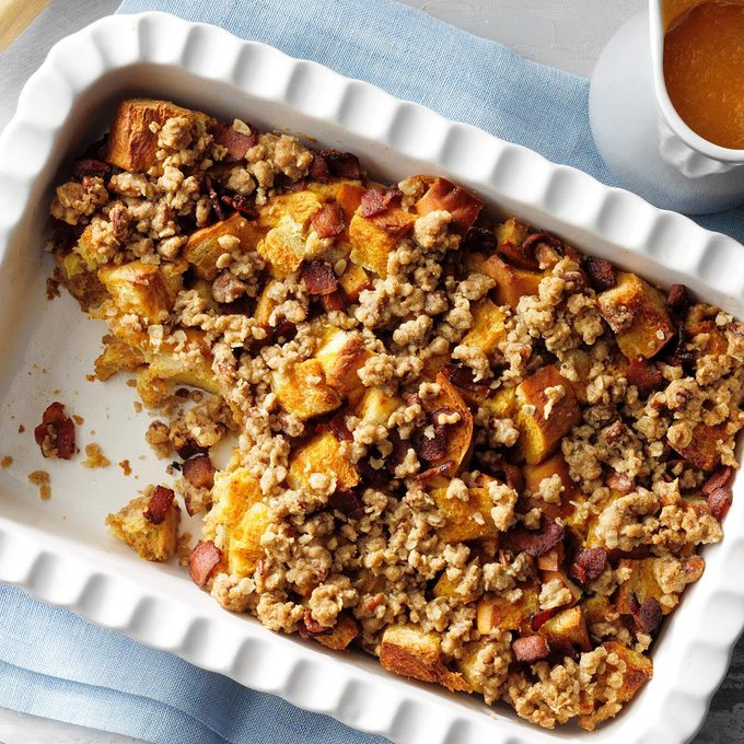 Pumpkin French Toast With Bacon Maple Syrup Exps Tohdj21 249332 E07 30 2b 12