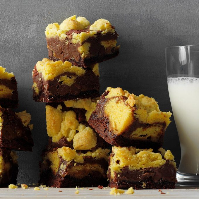 Two Tone Caramel Brownies Exps Tohdj21 249394 E07 30 7b 5
