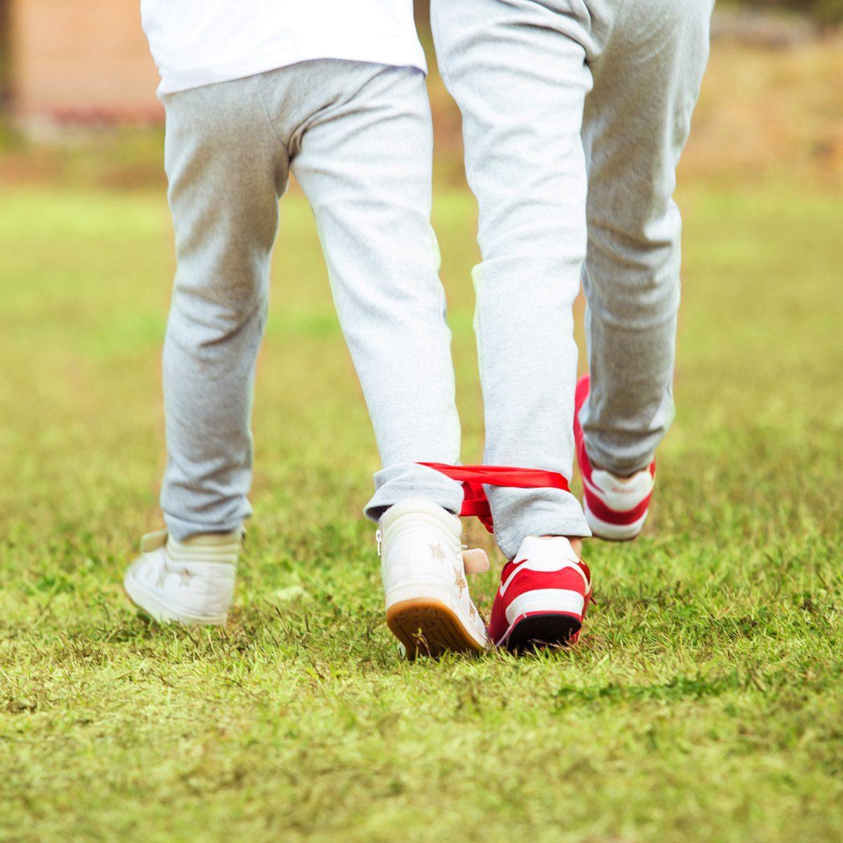 Children to be three-legged race game