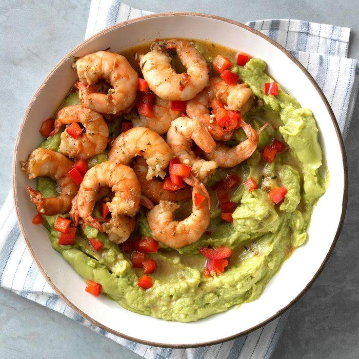 Cajun Shrimp And Red Pepper Guacamole Exps Tmbstk18 255165 Guacamole C10 29 4b 6