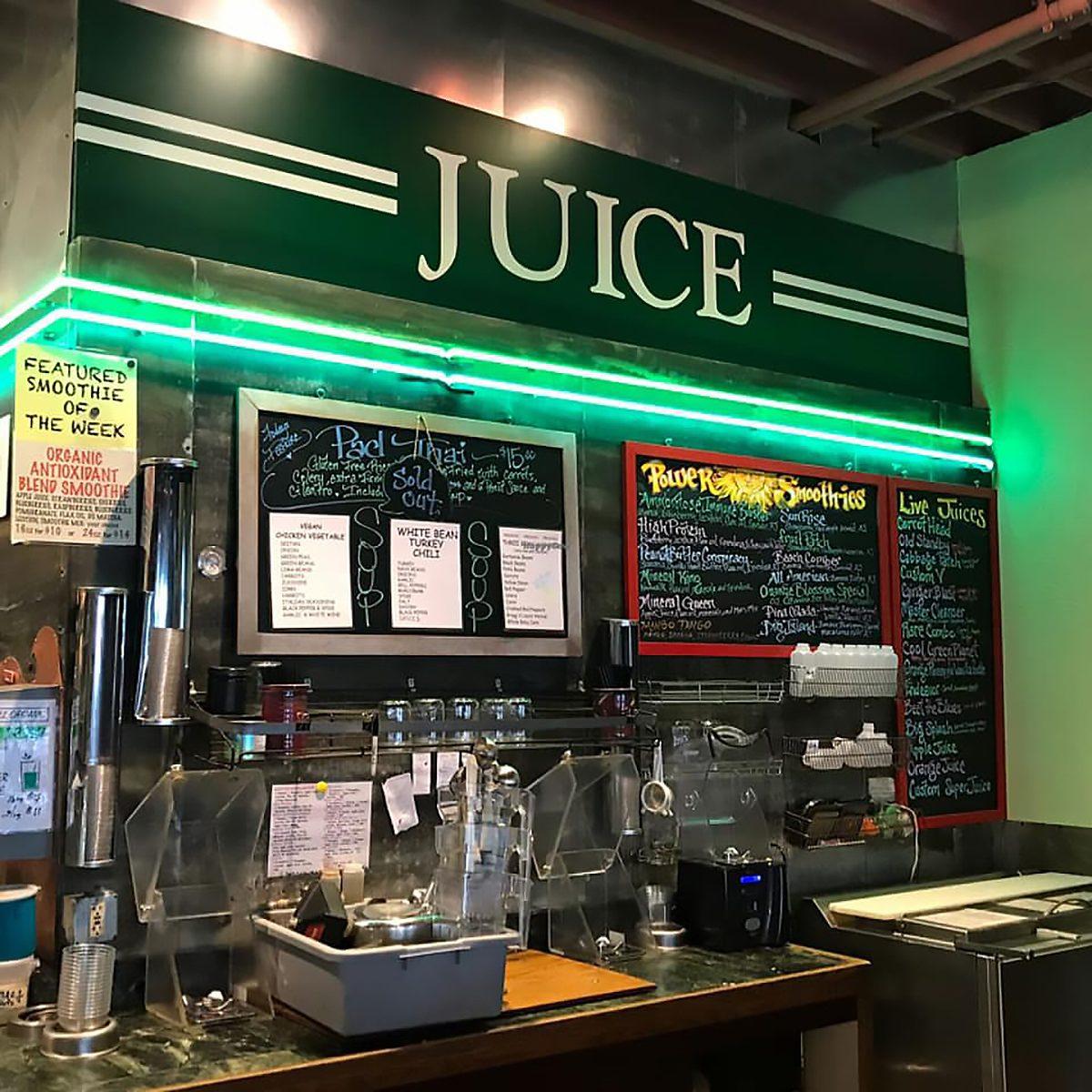 Best vegetarian and vegan restaurant in Alaska Organic Oasis Restaurant and Juice Bar