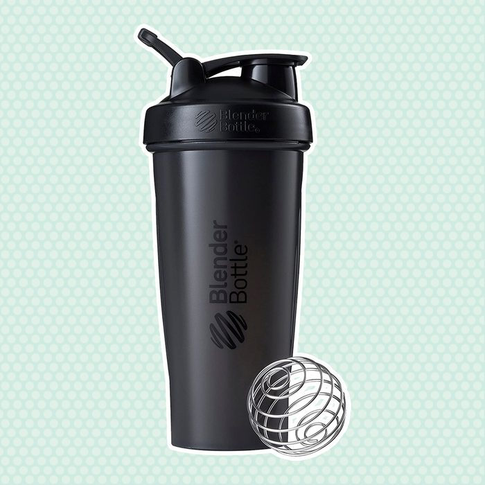BlenderBottle Classic Shaker Bottle Perfect for Protein Shakes and Pre Workout, 28-Ounce, Black