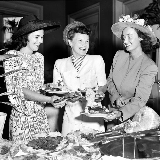 Society women enjoy a luncheon in Calfornia