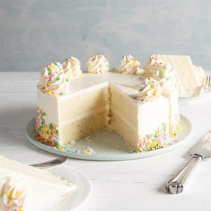 Vanilla Cake with Vanilla Buttercream Frosting
